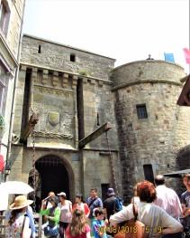 La porte d'entrée en bas du Mont Saint-Michel